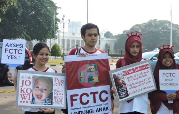 Aksi Simpatik Dukung Presiden Aksesi FCTC Lindungi Anak