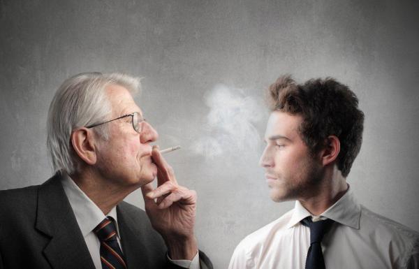 Merokok dapat membuat buta.